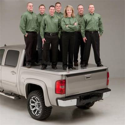 UnderCover - UnderCover UC4146L-3R3 LUX Tonneau Cover Fits 16-18 Tacoma - Image 2